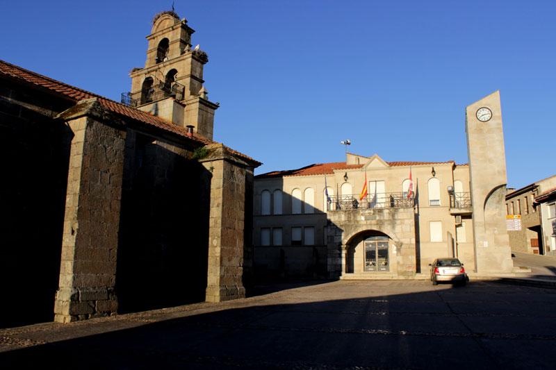 Vilvestre(pueblo-iglesiaayuntamiento)011
